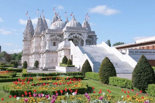 SEE THE BIGGEST HINDU TEMPLE IN EUROPE, learn a little ...