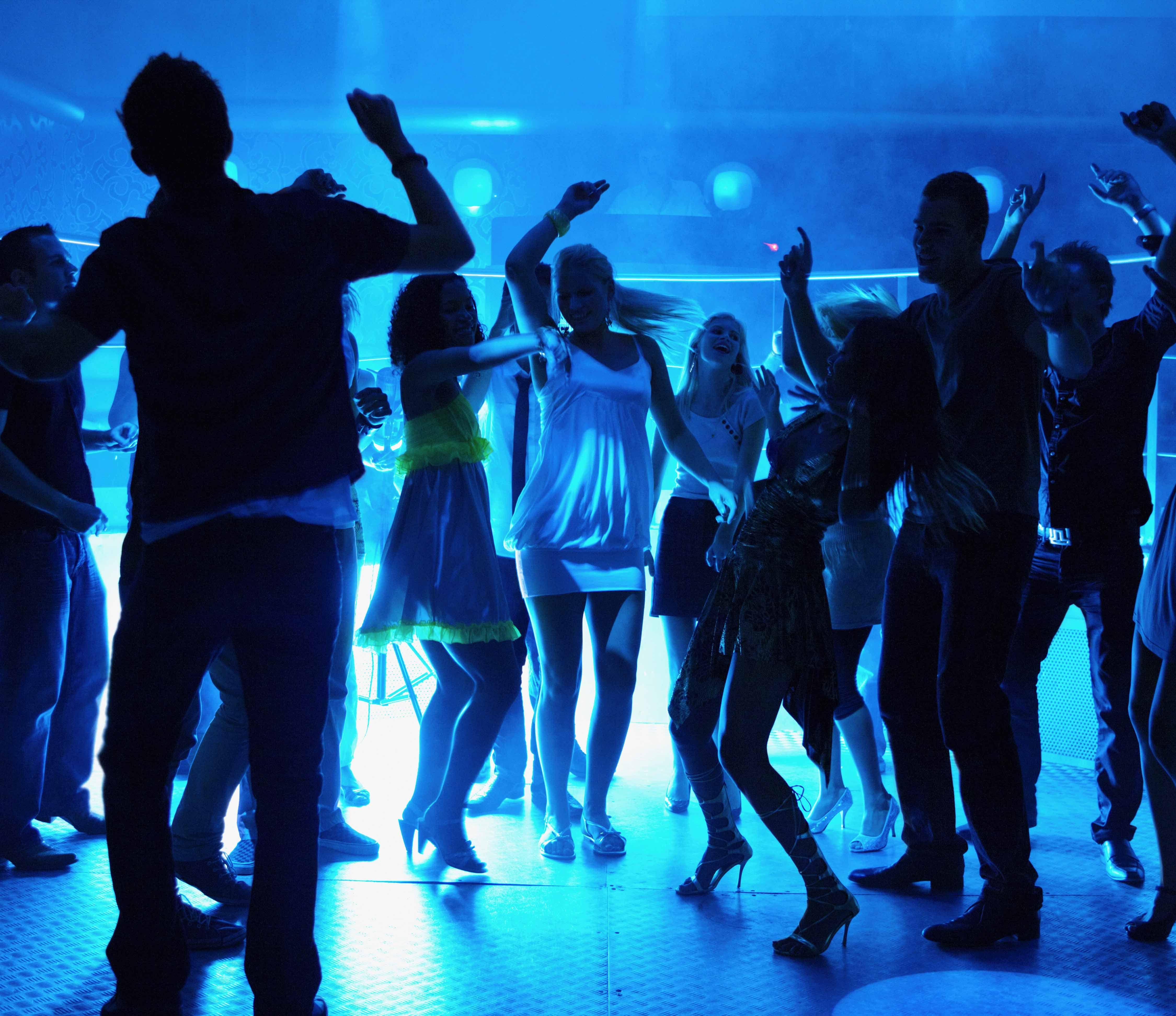 танцевальная музыка слушать подряд