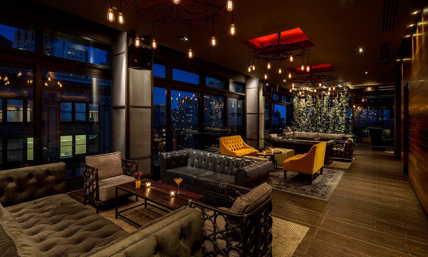 Manhattan luxury hotel bars lounges and restaurants new for Top luxury hotels nyc