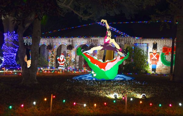 Photocaravan: The Best Holiday Lights of Prestonwood Forest ...