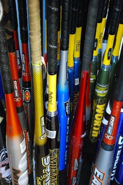 Popular Manufacturers of Baseball and Softball Bats