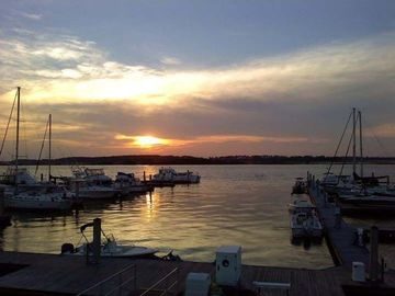 """meet folly beach singles In folly beach sc, you're on the """"edge of america"""" no worries though, because folly beach rentals offer the amenities you come to expect when working with folly beach rental companies."""