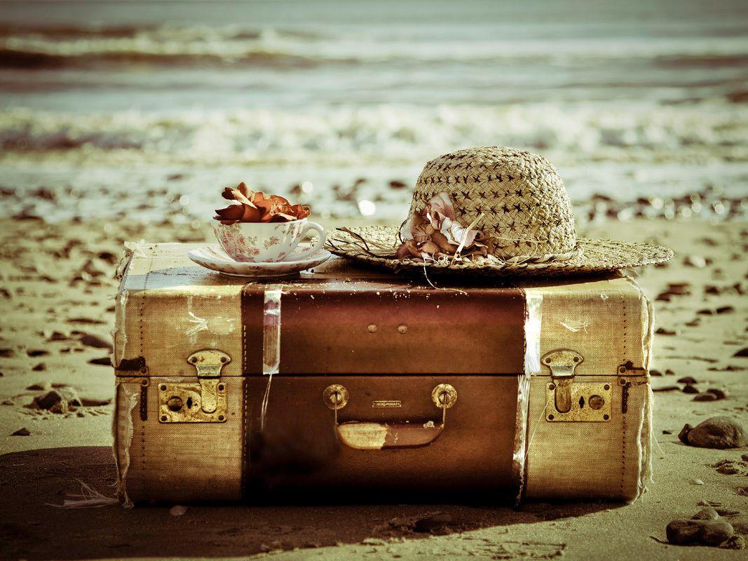 Farewell downton tea travellers societea socal long for The vintage suitcase